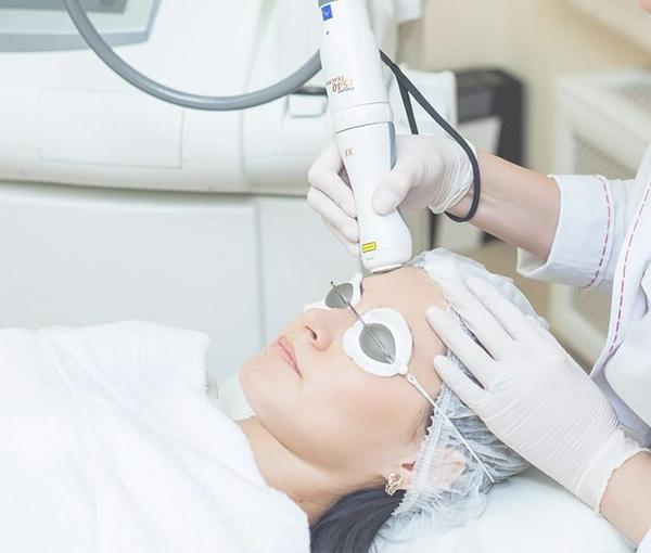 Омоложение кожи лица при помощи неодиомового и диодного лазера